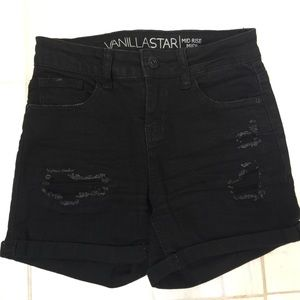 Vanilla Star Black cuffed shorts